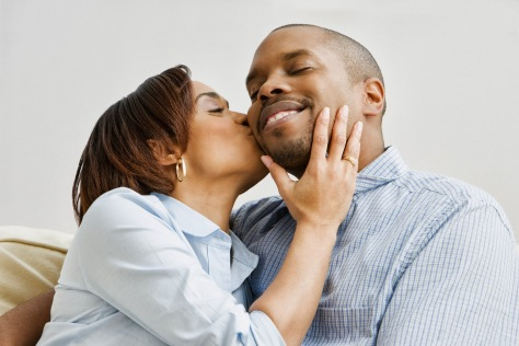 African-American-Couple-Kissing1 (1)