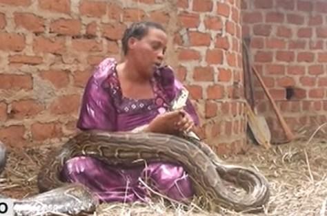 snake-woman2.jpg