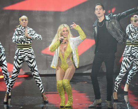 Britney Spears Performs at the 2016 VMA