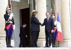 museveni-in-france3