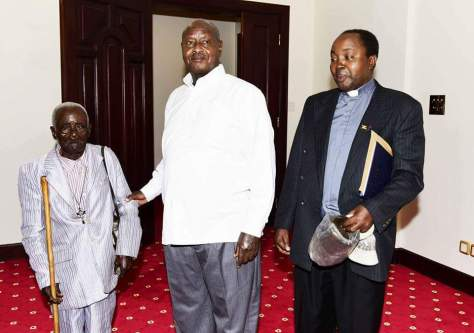 president-museveni-meets-oldest-ugandan2