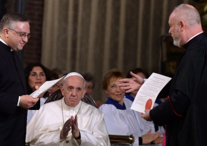 Pope Makes Historic Visit To Rome Anglican Church