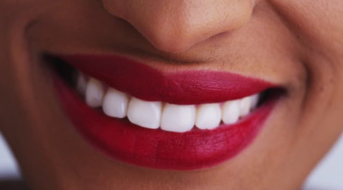 6 Simple Home Ideas Of Whitening Your Teeth