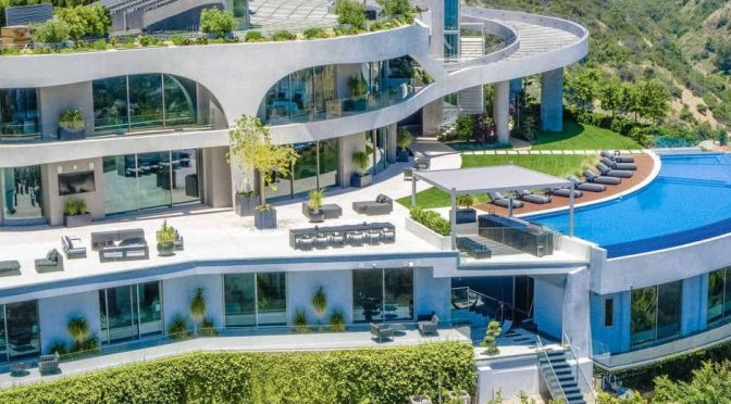 Rapper Travis Scott Buys $23.5Million  Mansion In  Brentwood, Los Angeles