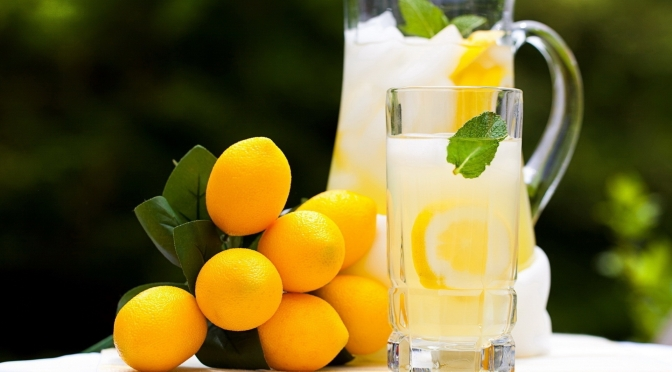Suprising Benefits Of Taking A Glass Of Lemon Water In The Morning